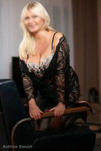 Linda Escortservice Berlin28 200x300 200x300 - Escort Damen