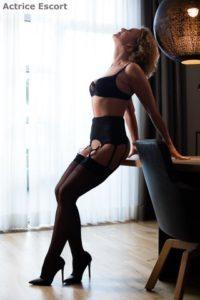 Sasha Escortservice Duesseldorf3 200x300 200x300 - Escort Damen