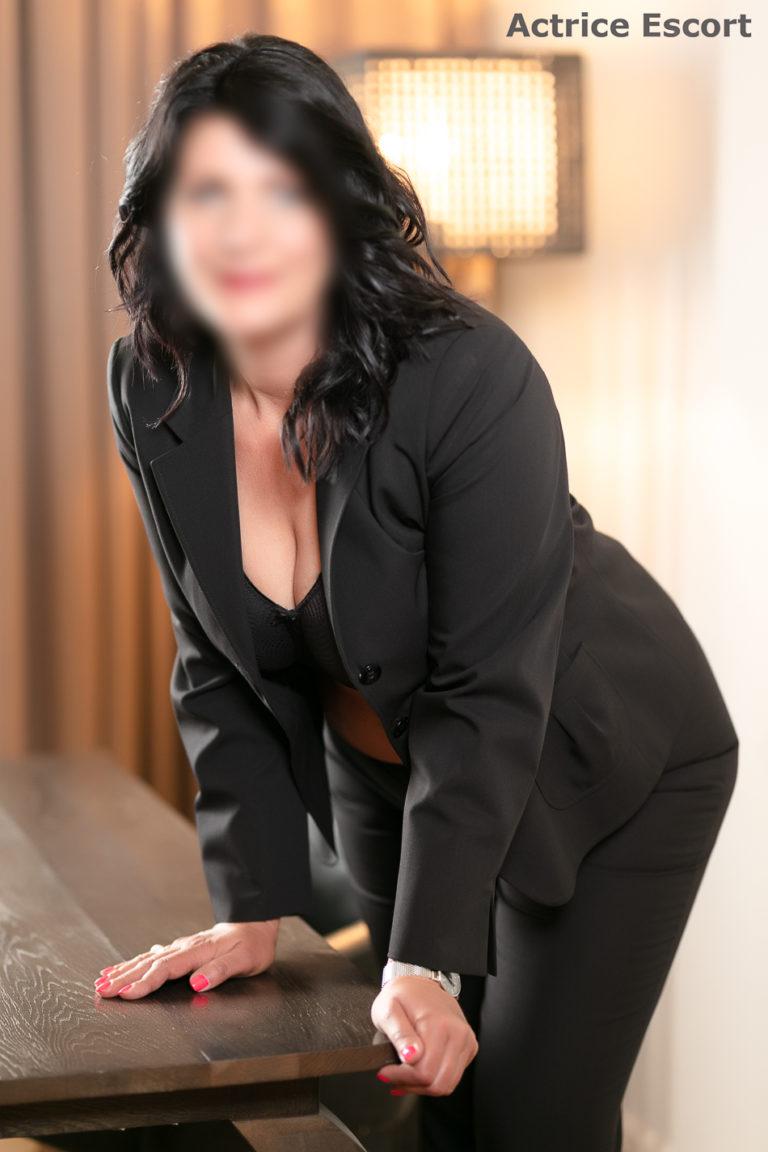 Rosalie Escortservice Hanau10 768x1152 - Escort Damen